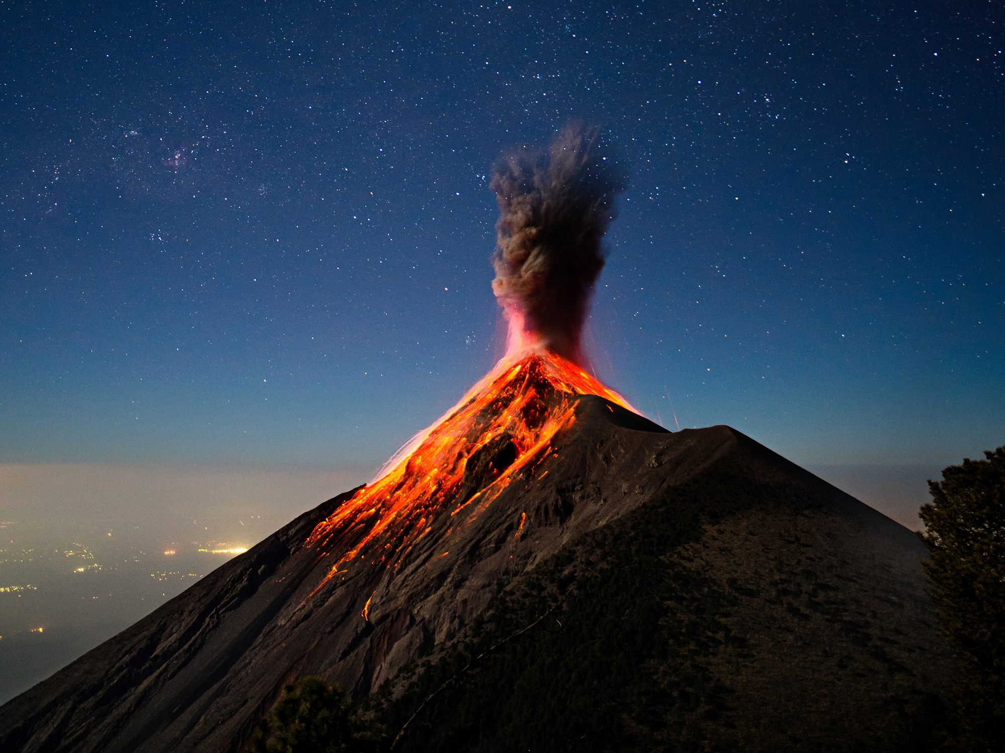 Volcanoes and Volcanic Glass - artisanelevators Pictures of a composite volcano