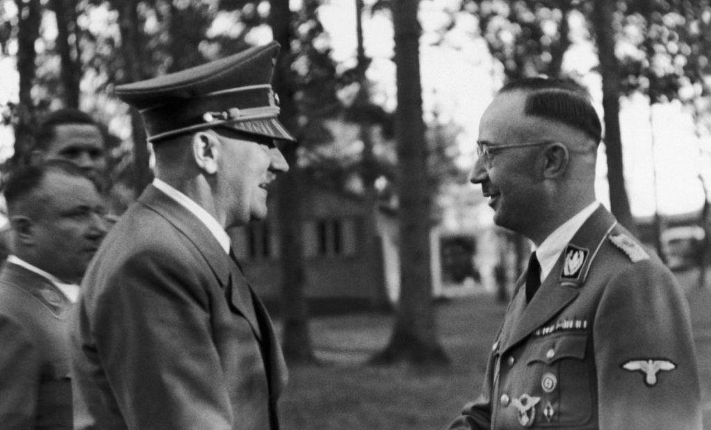 an introduction to the life of heinrich himmler the chief of the german police