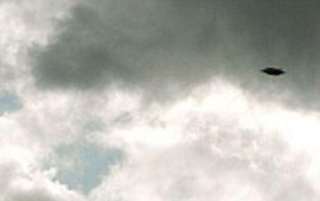 Дискообразный НЛО пролетел над Северн Бич