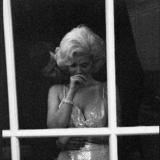 Актеры, изображающие президента Джона Ф. Кеннеди и Мэрилин Монро и их, по слухам роман