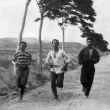 Марафонцы на первых современных Олимпийских играх, проходивших в Афинах, Греция – 1896 год