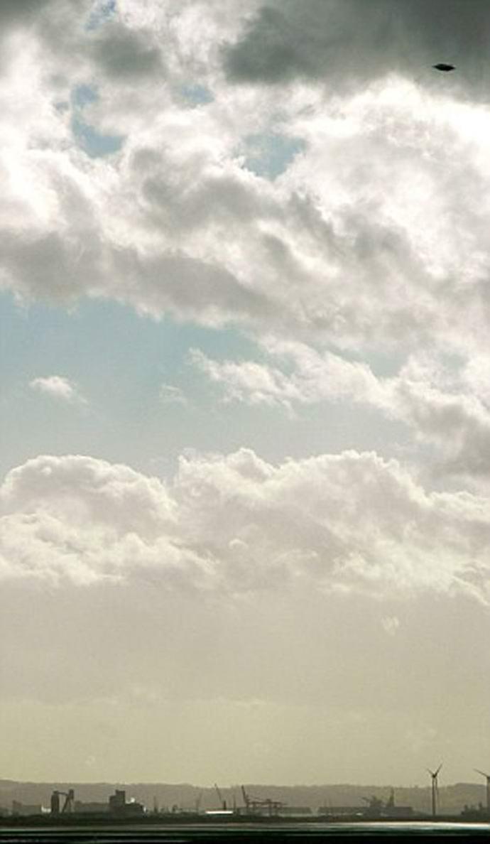 Фотография летающей тарелки в Англии