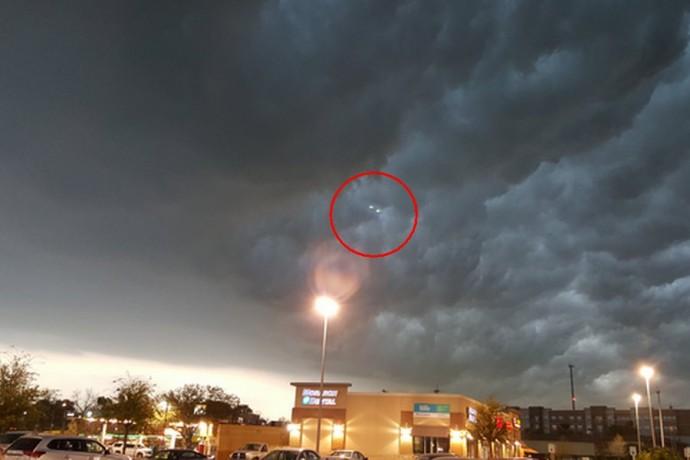 НЛО в небе над Техасом