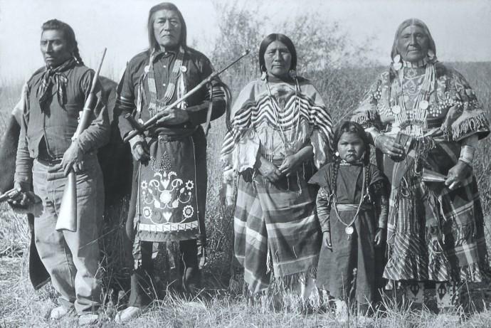 Картинки по запросу старые фото индейцев с винчестерами