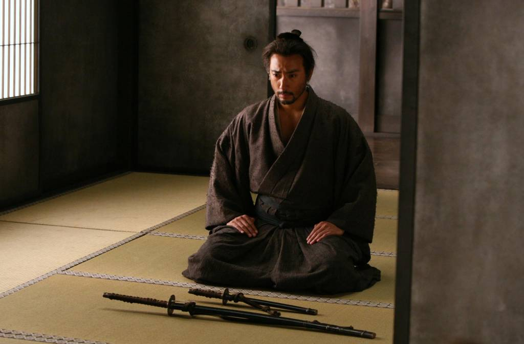 ritual suicides in feudal japan Seppuku (sometimes also referred to as hara-kiri) is a form of japanese ritual suicide many westerners recognize this japanese form of suicide, in which a person (often, but not always, male) slits his own stomach with a sword, disemboweling himself and causing his own death.