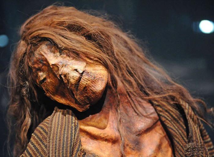 Мумия перуанской женщины вблизи