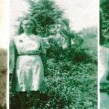 «Это фото было сделано в день свадьбы моей тёти. Шёл 1942 год и фотограф снимал молодожёнов простым ящичным фотоаппаратом. Что э