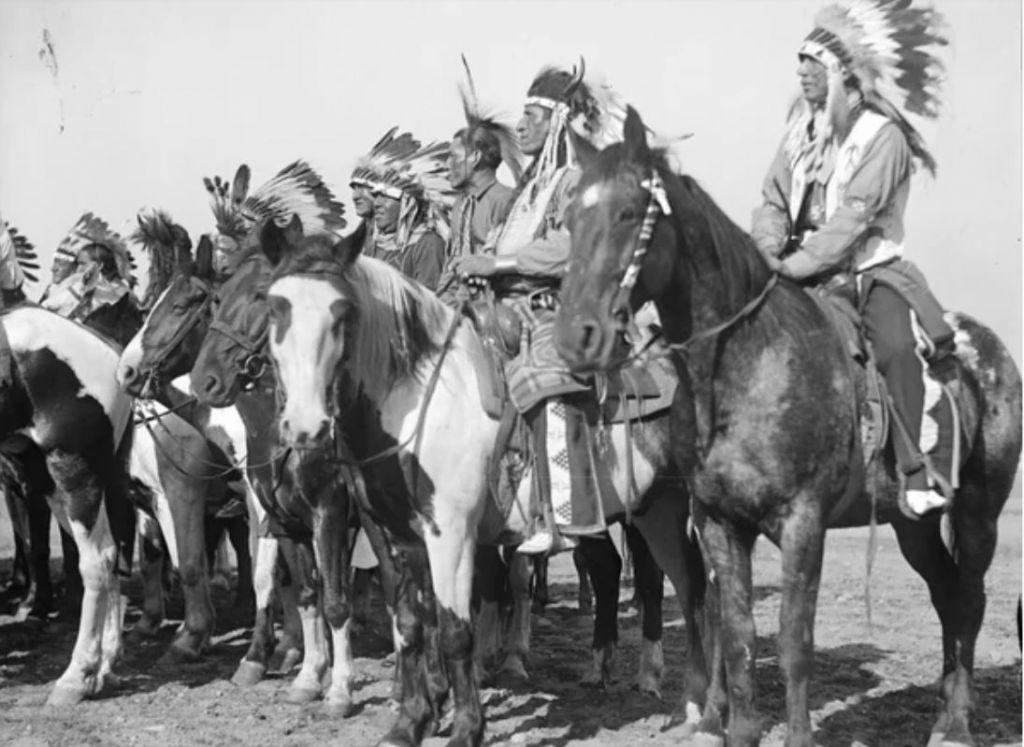 Конные воины-команчи.