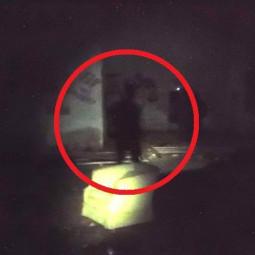 Призрак на заброшенном заводе