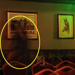 Фотография призрака в английском пабе
