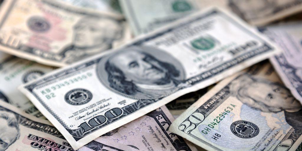 Какой заговор читать чтобы деньги водились