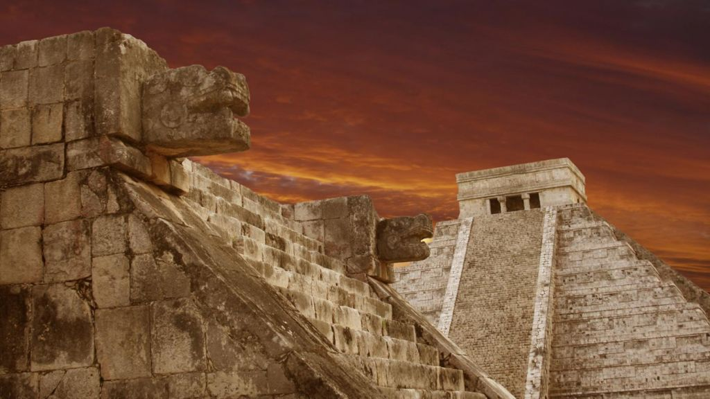maya civilization and ancient maya culture Ancient mayan civilization art & culture new interest in mayan art and culture the end of the mayan calendar in 2012 has brought a renewed interest in mayan history, culture, art, and architecture.