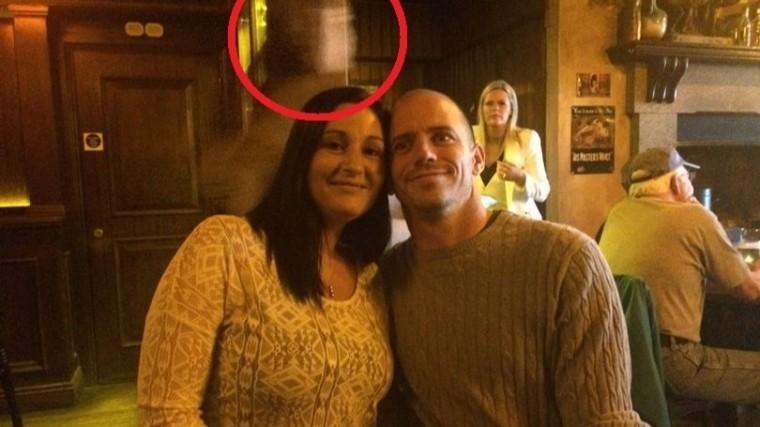 Призрак капитана «Титаника» попал на фото в старинном пабе