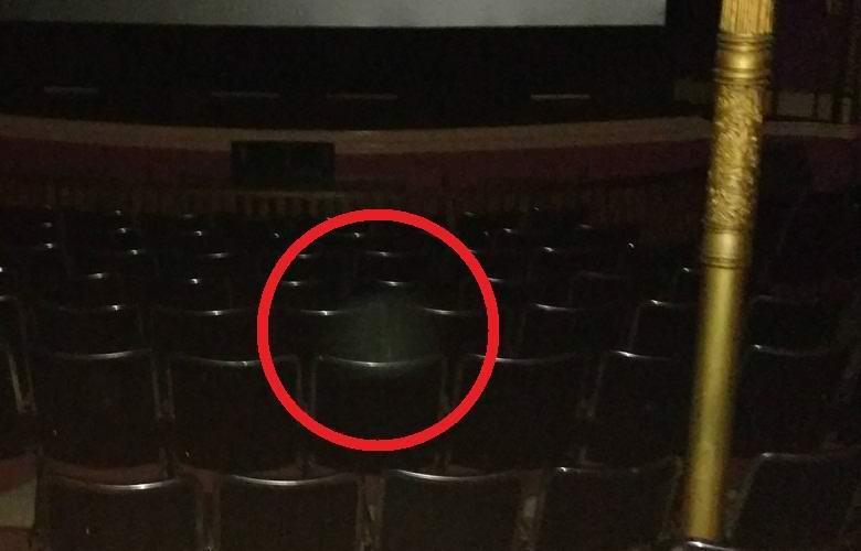 Призрак в кинотеатре
