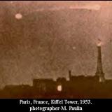 НЛО, 1953 год – Эйфелева Башня, Париж, Франция.