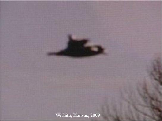 НЛО, Понедельник, 9 февраля, 2009 год – Вичита, штат Канзас.