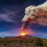 Панорама извержения вулкана Этна