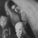 Призрак на спиритическом сеансе