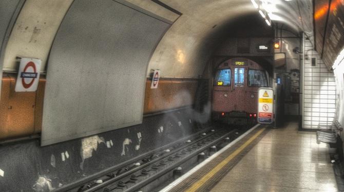 Привидение в Лондонском метро
