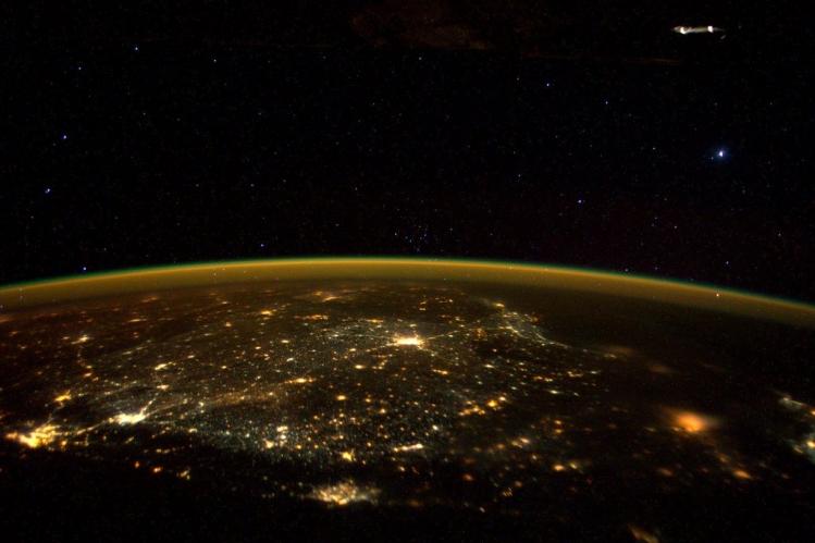 Фото НЛО с МКС 2015
