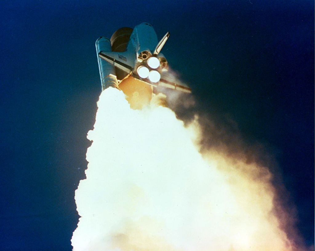 a research on the explosion of the challenger spacecraft The space shuttle program was designed to create a reusable spacecraft that would usher in a new era in manned space flight for a while, it seemed this dream was made reality through the joint effort of nasa and its contractors.