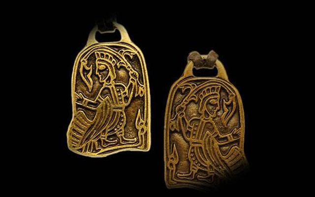 Амулеты древних фото искаженные часы амулет с бирюзой path of exile