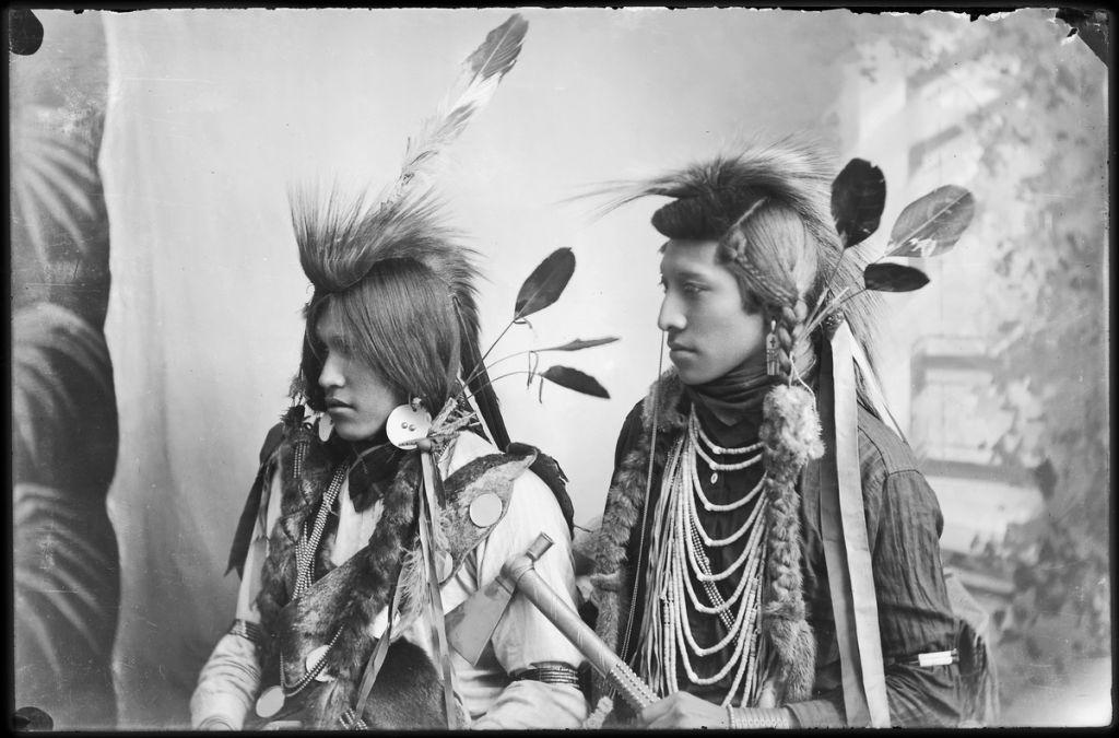 Как британцы - индейцам демократию принесли