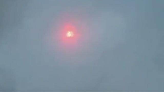 Огненный шар в небе над Пермью во время урагана