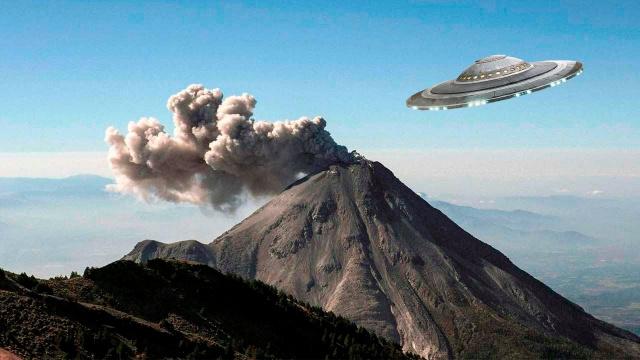 НЛО влетел в вулкан Колима