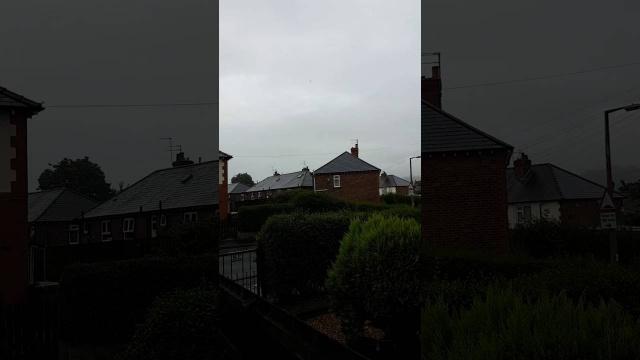 Черный НЛО пролетел над Макклесфилдом