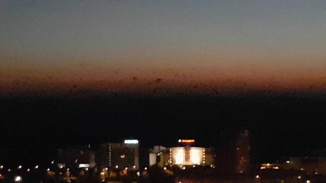 Атака светлого НЛО на чёрное НЛО