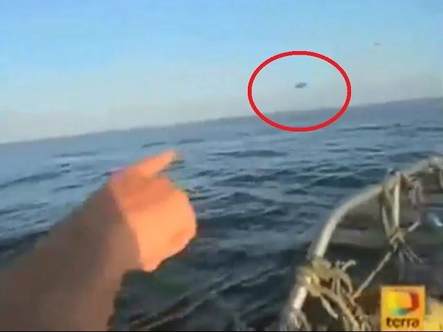 НЛО взлетает из под воды