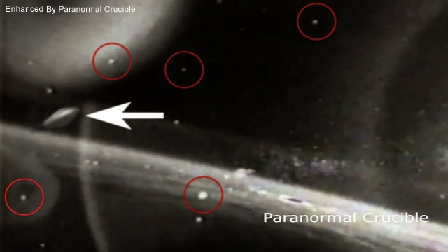 Видео НЛО в открытом космосе