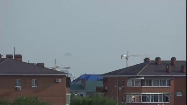 Загадочный (НЛО) объект в небе на окраине Краснодара.