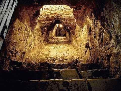 Тайны подземных пирамид. Тайны мира