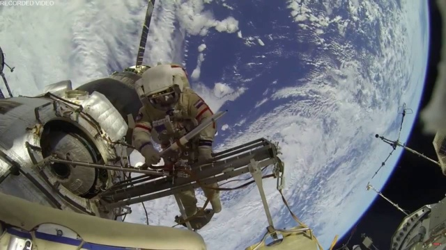МКС и два НЛО 1 сентября 2016 выход космонавтов