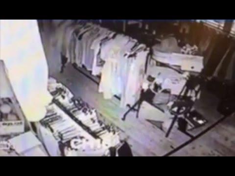 Видео с привидением в английском антикварном магазине