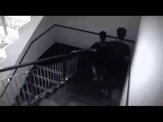 Тень напала на подростков