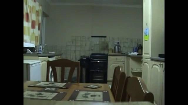 Полтергейст разбушевался на кухне
