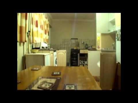 Привидение, громящее кухню