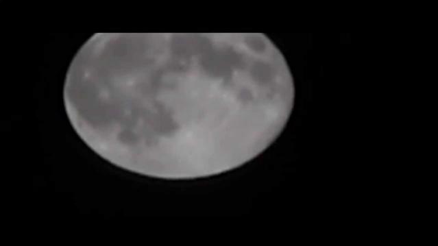Видео НЛО на фоне Луны