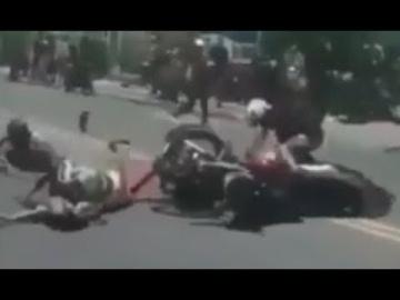 Мотоциклист из ниоткуда спровоцировал аварию