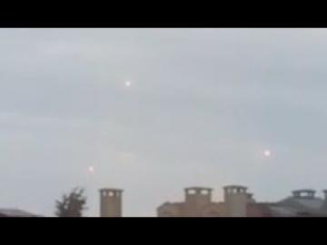 3 НЛО в небе над Стамбулом