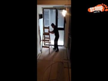 Полтергейст двигает лестницу