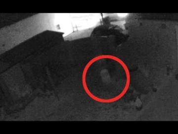 Камеры безопасности сняли появление призрака в Англии