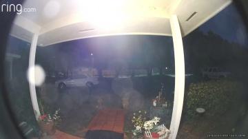 В Калифорнии видеокамера на дверном звонке зафиксировала НЛО