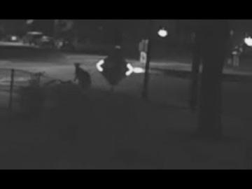 В Юте засняли странного человека, возникшего из ниоткуда и исчезнувшего спустя несколько секунд
