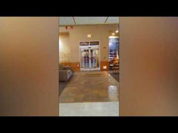 Полтергейст играет с автоматическими дверьми
