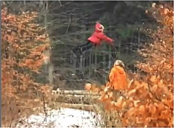 Летающая девочка видео