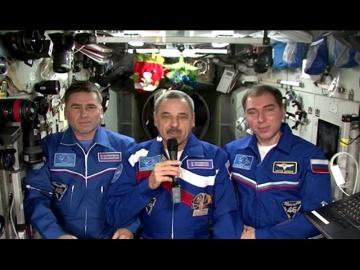 Год на орбите. Новый год в космосе